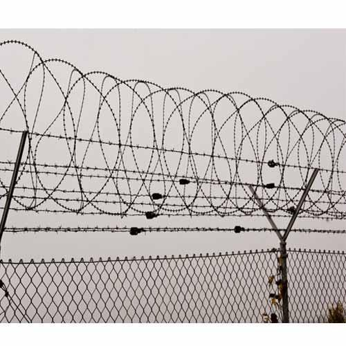 Barbed Wire Fence - Manufacturer from Hyderabad