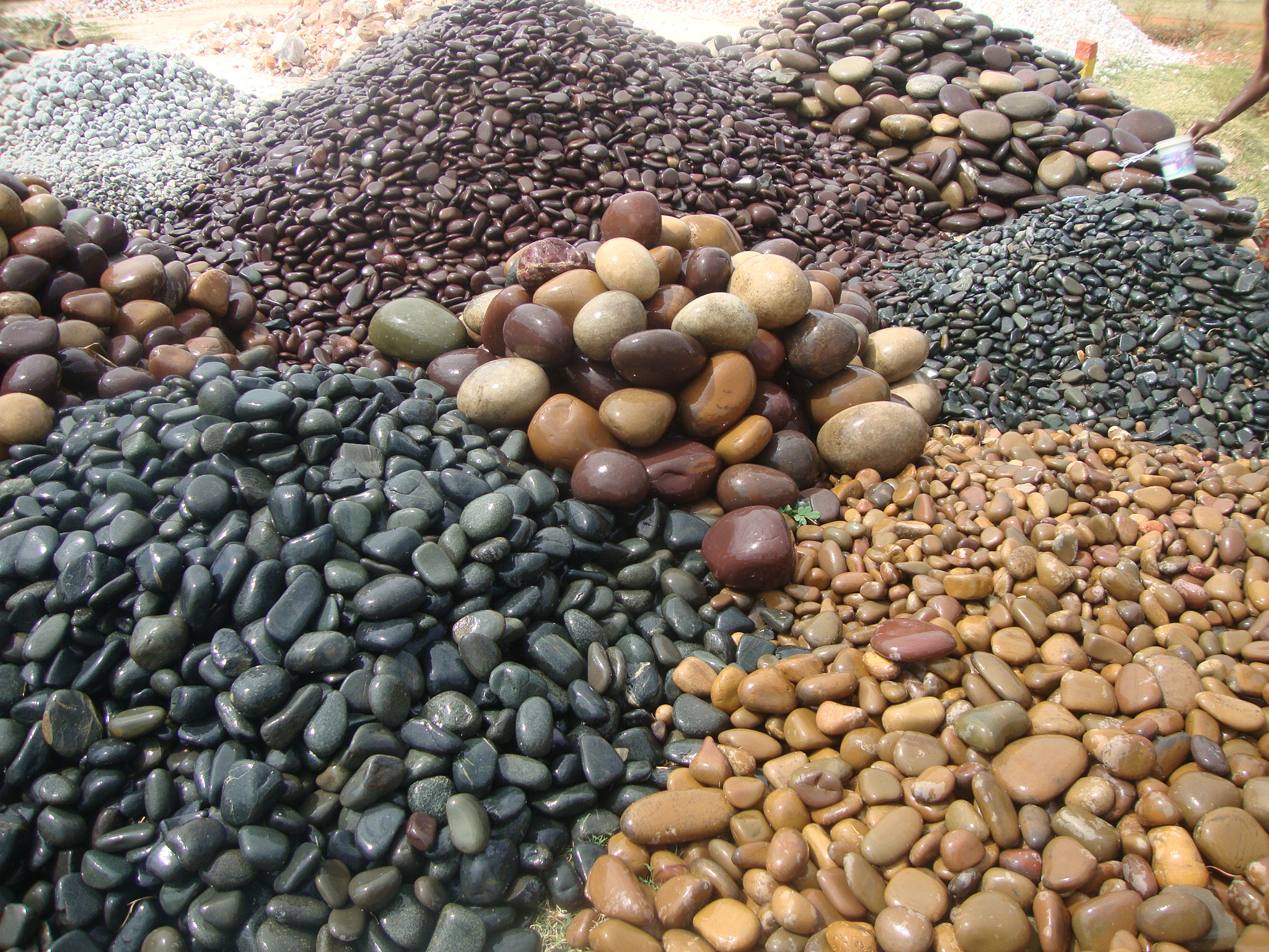Stones and Pebbles for Aquariums
