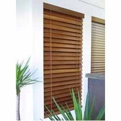 basswood painted venetian blind