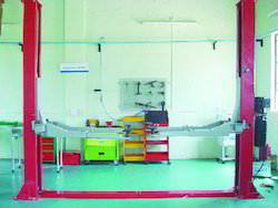 two post hydraulic lift