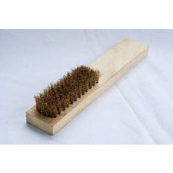 Brass wire Brush - Wooden Handle