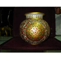 Exclusive Makrana Flower Pot With Gold Work On