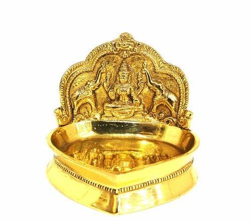 Kamakshi Aishwariya Vilakku