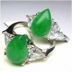 Diamond Artificial Rings