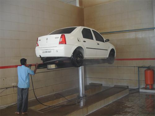 Center Post Car Washing Lift