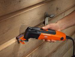 Electric Cutter Cutting In Tight Spaces
