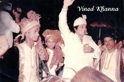 Vinod Khaana Enjoying Wedding with Master Band