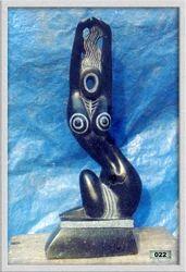 Nari Statue