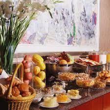 buffet breakfast service