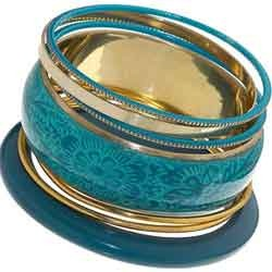 Embossed Metal Bangle Set