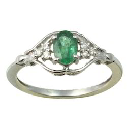 Emerald Diamond Ring in White Gold