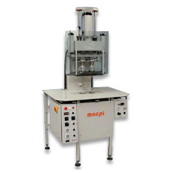 Bra Cup Moulding Machine