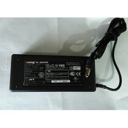 SCOMP Laptop Adapter Toshiba 15v 3A