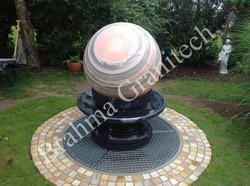 Kugelbrunnen Granit Garten