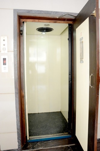 Apartment Lift