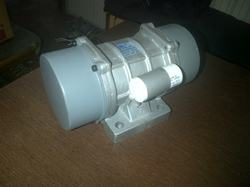 three phase single phase vibrator motors