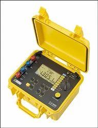 подробные технические характеристики микроомметра C.A 6250.  4-проводный метод измерения от 1 мкОм дo 2500 Ом (7...