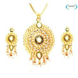 Party Wear Pendant Jewelry Set