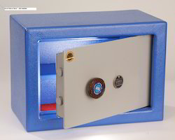 Double Walled & Mechanical Keys Safety Lockers