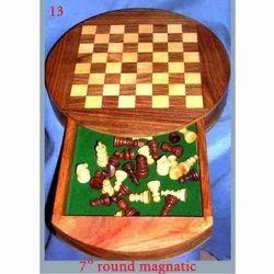 Round Magnetic Chess Box