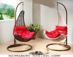 Garden swing wooden swing manufacturer from mumbai for Garden jhoola designs