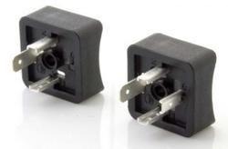 curved plug