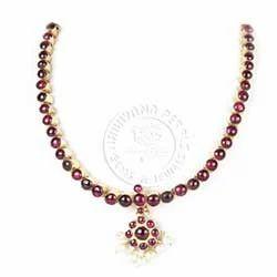 Stone+Studded+Necklace