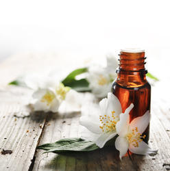 Jasmine Essential Oil for flavor and fragrances