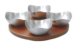 revolving-wooden-snacks-tray-with-4-bowls