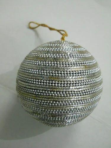 Zari Christmas Balls