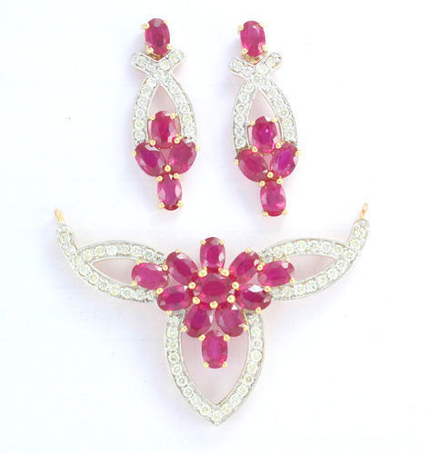 Ruby and Diamond 18K Gold Jewelry Pendant Set