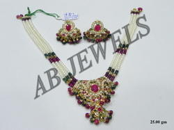 Jadau Necklace Set