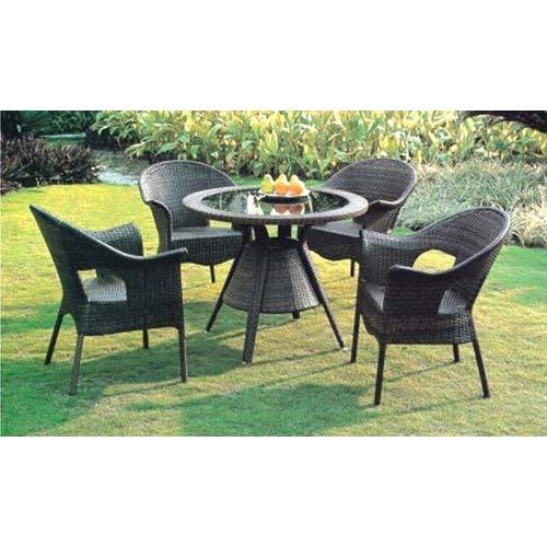 Outdoor garden furniture josaelcom bistro wicker garden for Garden furniture manufacturers