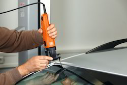 Windscreen Glass Remover
