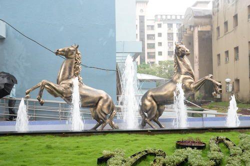 Horse Sculpture Fountain