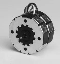 Low Torque Synchronous Motors
