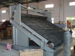 Automatic Floor Conveyor