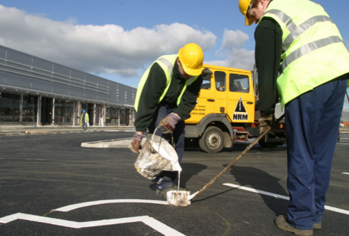 https://3.imimg.com/data3/AF/CI/MY-2044098/road-marking-paints-500x500.png