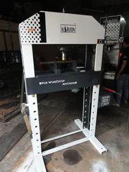 Harison Four Column Type Semi-Automatic Workshop Machine, Capacity: 40 Ton