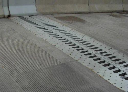Concrete Expansion Joint क र ट