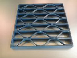 Honeycomb Type Grating