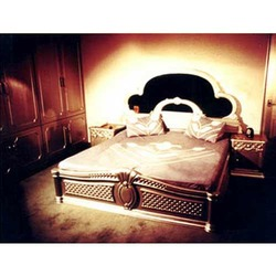 King Size Carved Bed With Mirror In The Head Board