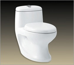 Closed Front White Hindware Deimos Water Closet