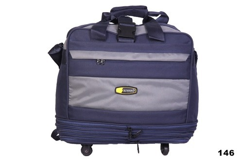 3841cee94 Designer Duffle Bag at Rs 600 /piece(s) | Duffle Bag | ID: 9599891112