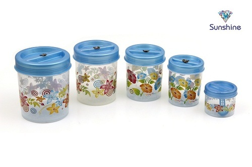 Transparent Plastic Kitchen Containers, Capacity: 250 Gm And 500 Gm ...