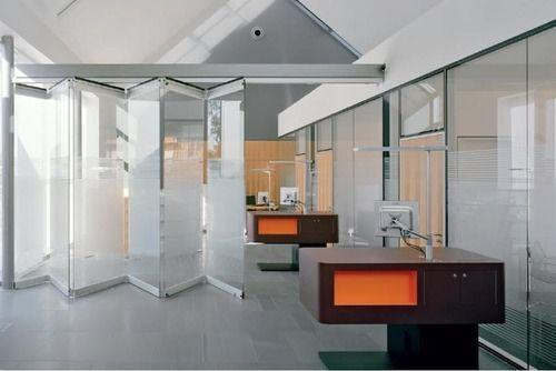 Transparent Sliding Folding Glass Partition Rs 3500