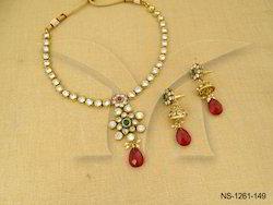 Round Beaded Flower Polki Necklaces