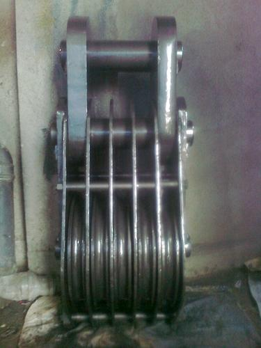 Five Sheave Wire Rope Pulley Block - Jupiter Engineering Concern ...