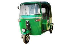 Green CNG Auto Rickshaw