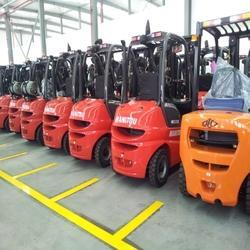 Battery Operated Forklift Rental Services